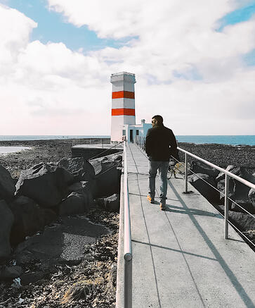 Halal-travel-guide-Iceland-things-to-see-lighthouse
