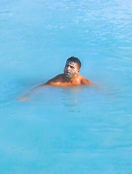Muslim-travel-blog-Iceland-Blue-Lagoon-tips