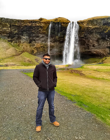 Muslim-travel-blog-Iceland-waterfalls-Seljalandsfoss