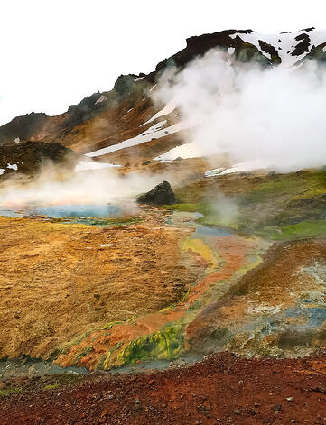 Muslim-travel-tips-what-to-do-Iceland-volcano
