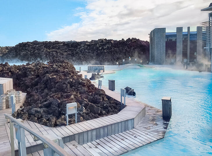 muslim-travel-guide-Iceland-Blue-Lagoon-tips