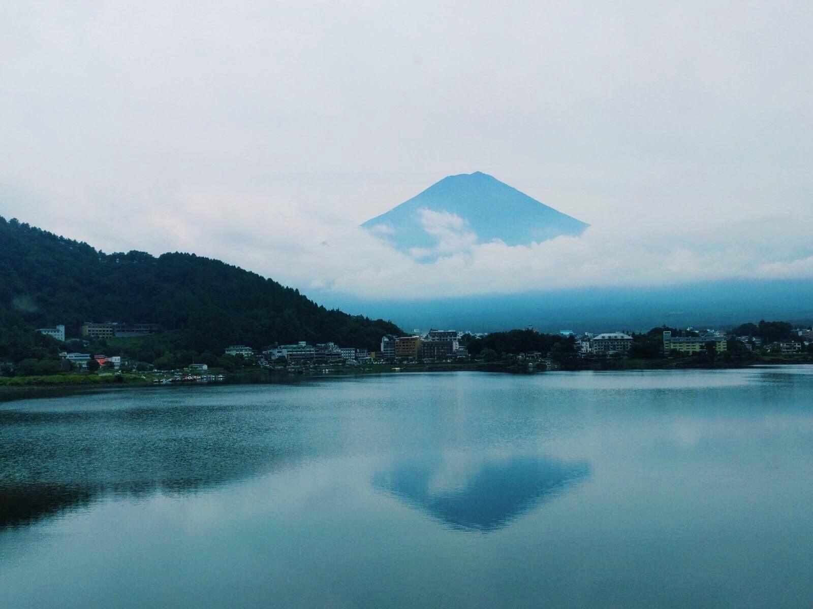 Muslim-travel-Hakone-Mt-Fuji-view-lake-ashi.jpg