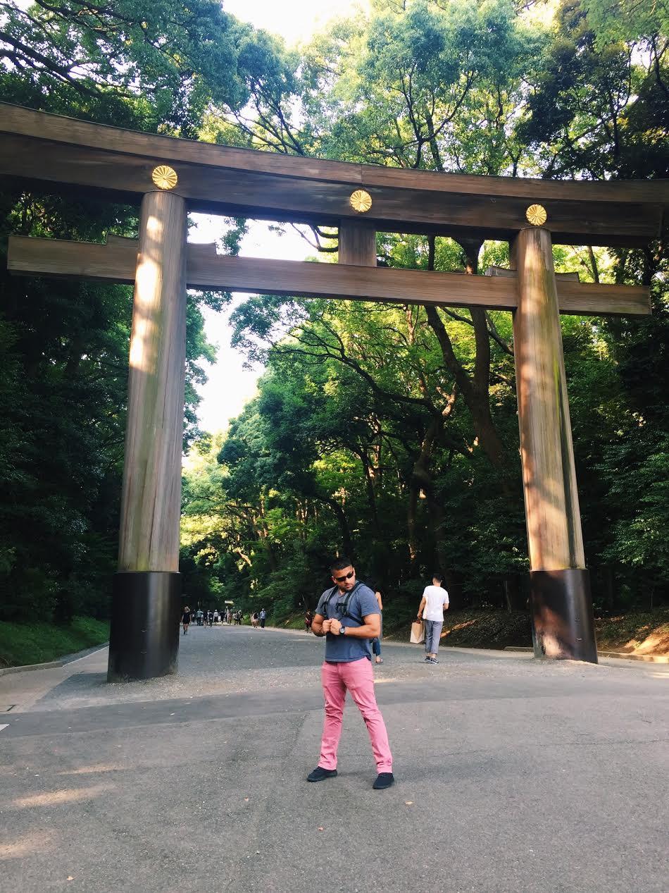 Muslim-travel-Tokyo-Meiji-Shrine-Gate.jpg