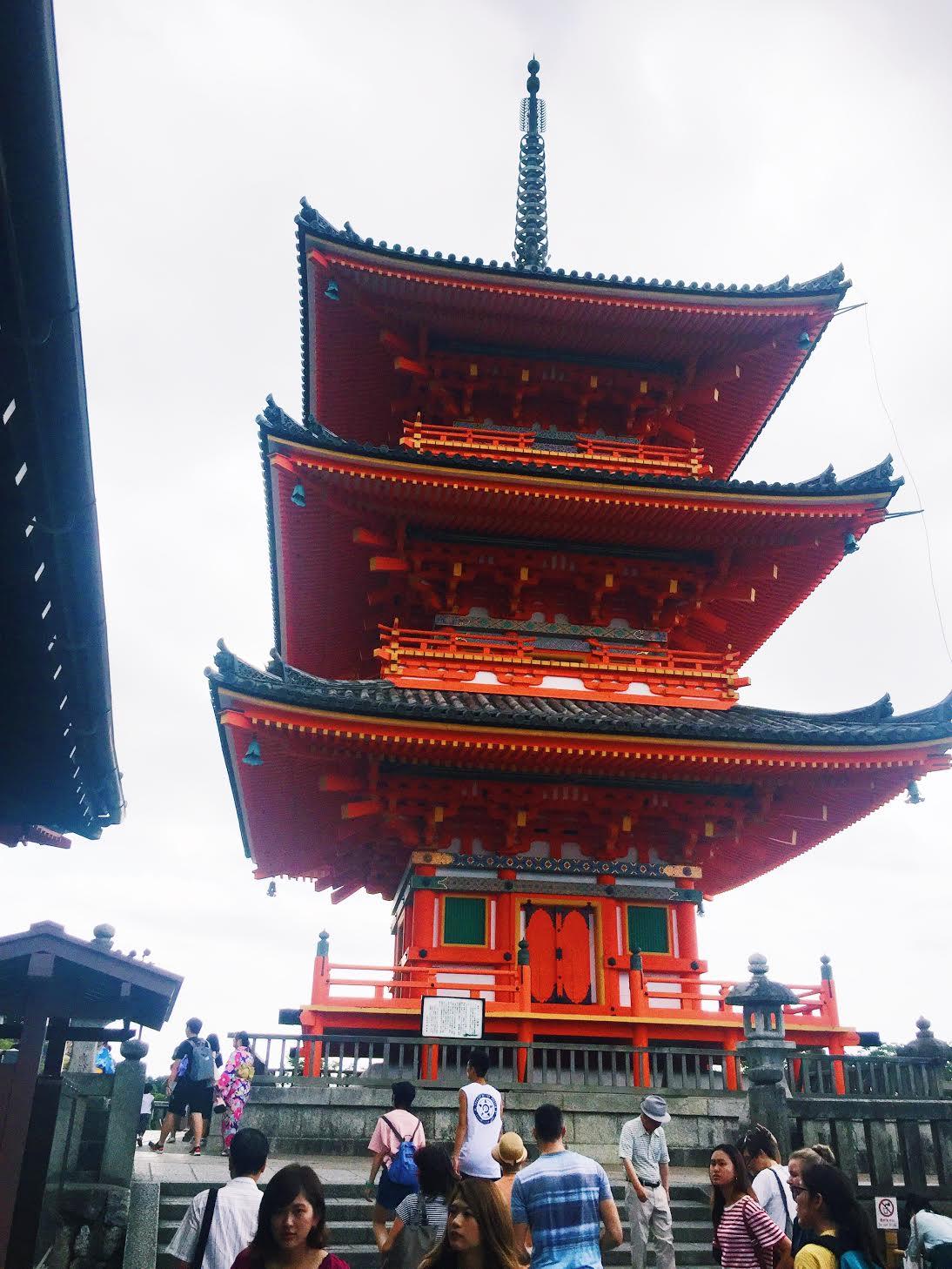 Muslim-travel-tips-Kyoto-Kiyomizu-dera-pagoda.jpg