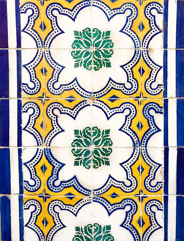 Muslim-travel-guide-Lisbon-Portugal-what-to-see-tiles