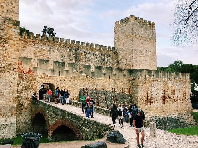 Muslim-travel-guide-Lisbon-Saint-George-Castle
