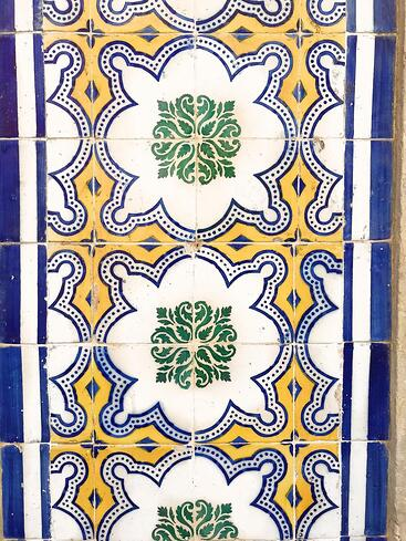 Muslim-travel-guide-Lisbon-tiles
