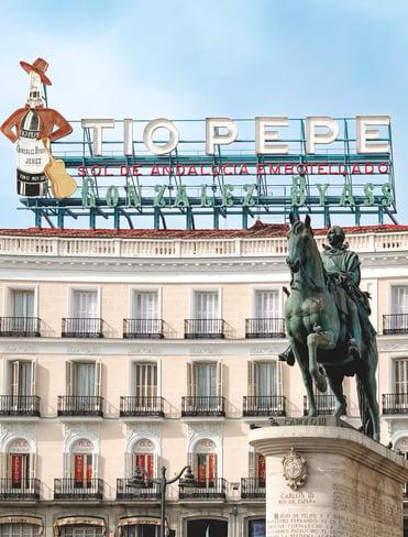 muslim-travel-guide-Madrid-Spain-Tio-Pepe-sign-Puerta-del-Sol