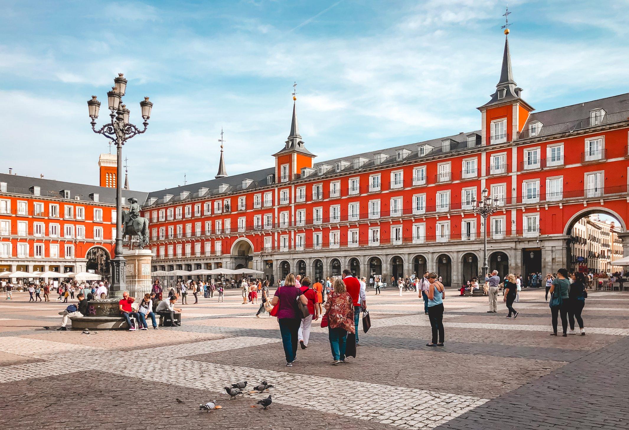 Plaza Mayor travel guide Madrid