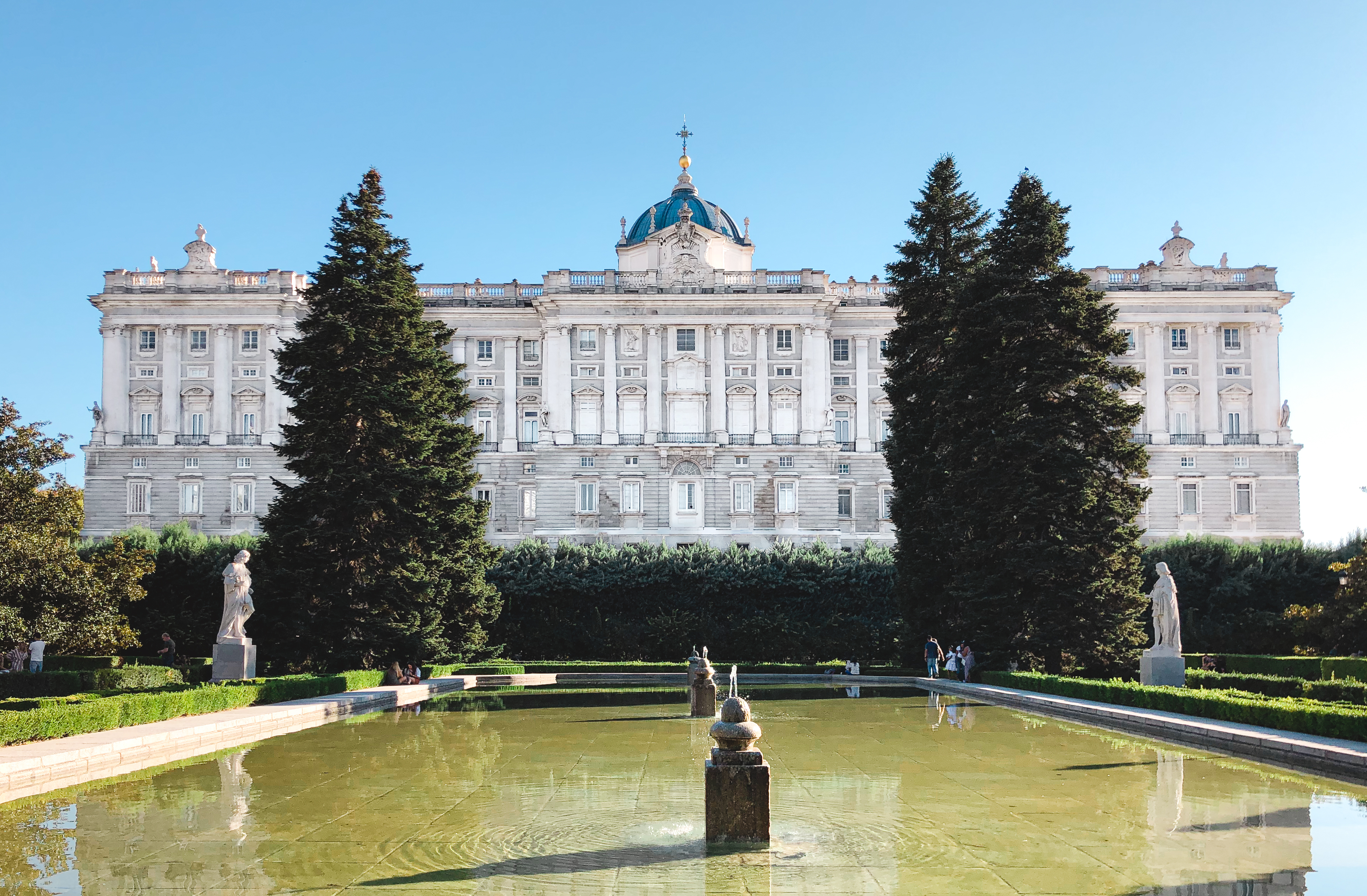 muslim-travel-guide-Madrid-Spain-things-to-do-Royal-Palace