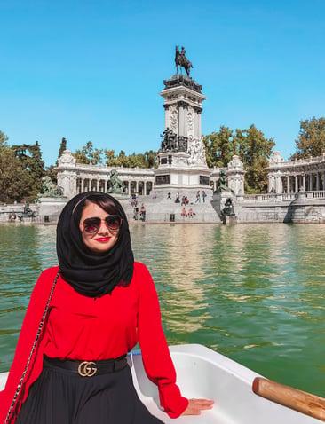 muslim-travel-guide-Madrid-Spain-things-to-do-rowboat-El-Retiro-Park