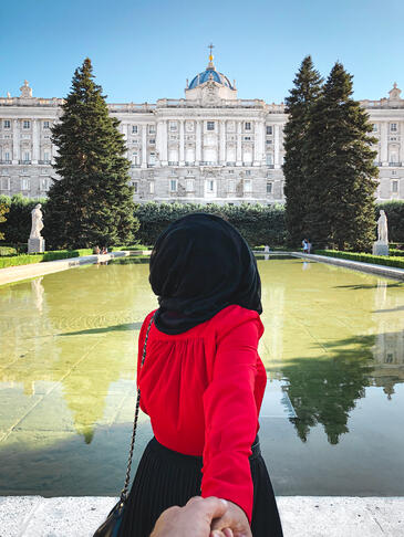 muslim-travel-guide-halal-Madrid-things-to-do-Royal-Palace