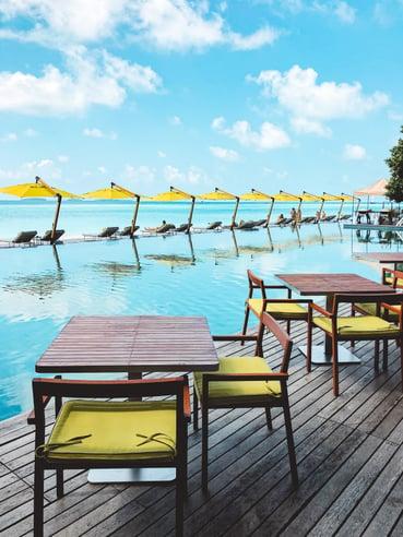 Best-Muslim-travel-guide-blog-Maldives-poolside