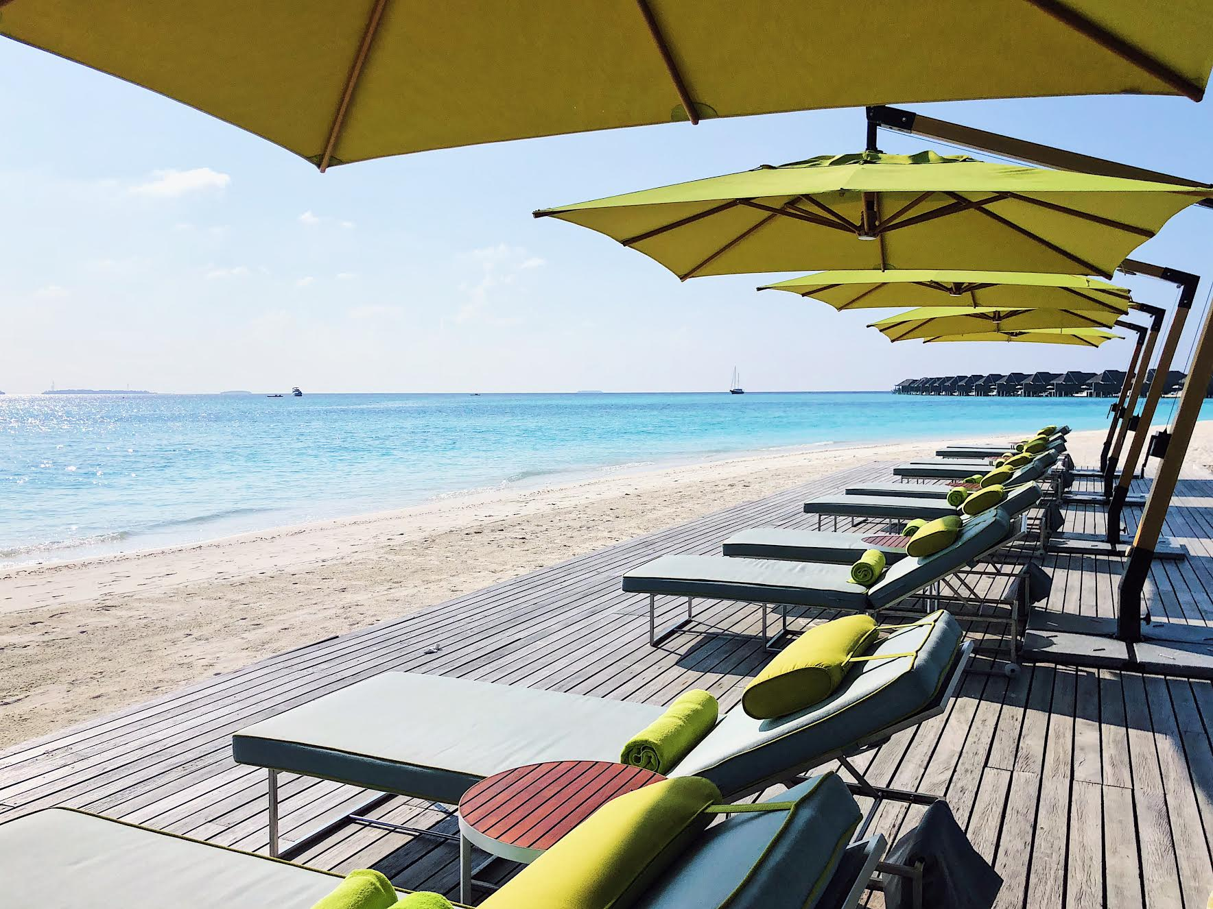 Best-halal-Maldives-travel-guide-things-to-do-pool
