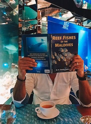 Muslim-travel-blog-Maldives-guide-underwater-halal-restaurant