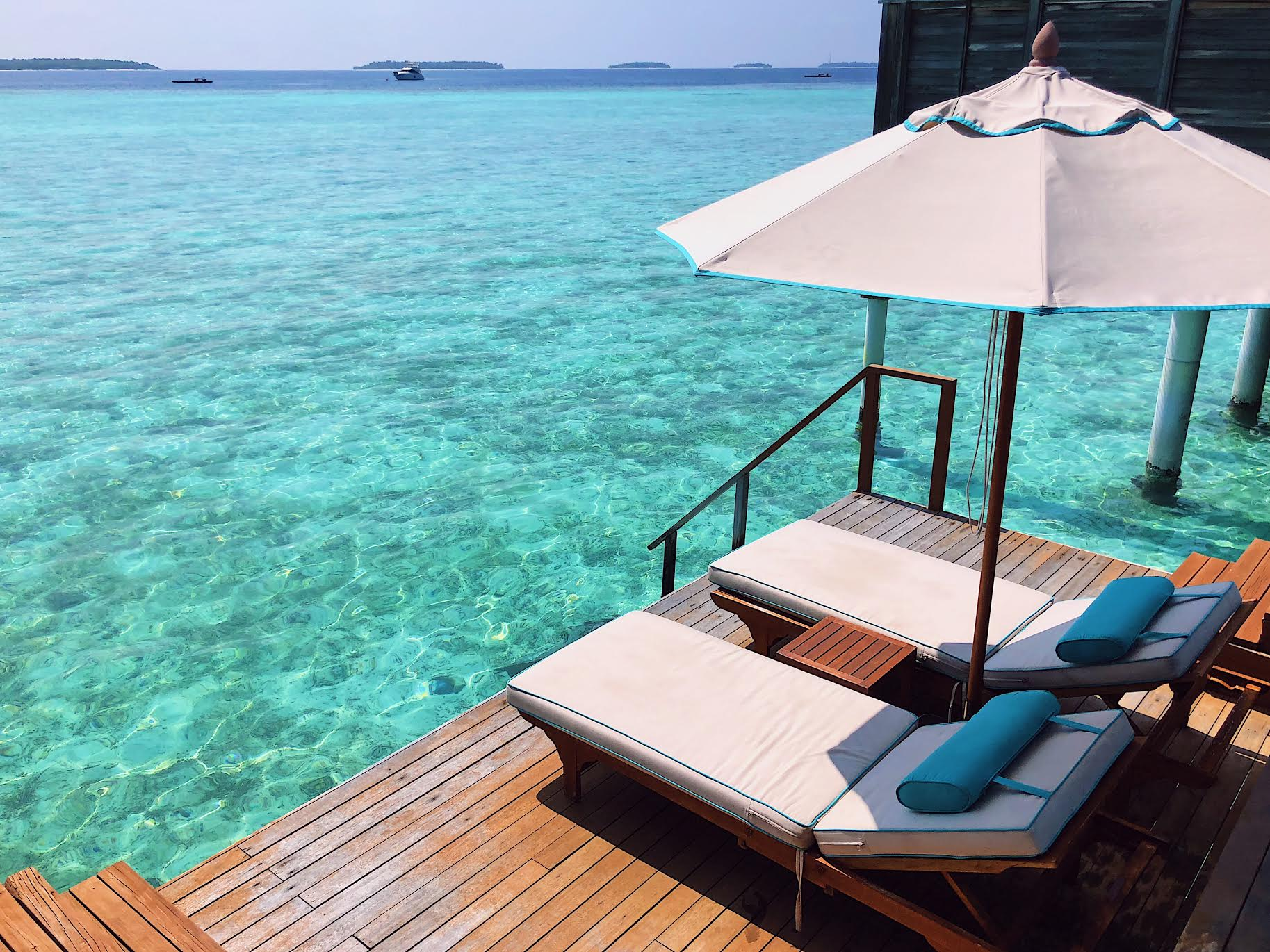 Muslim-travel-blog-Maldives-guide-where-to-stay-overwater-villa