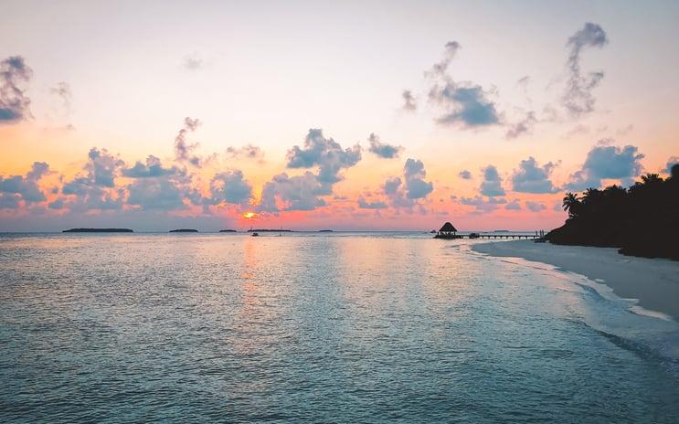 Muslim-travel-blog-Maldives-tips-beautiful-sunset