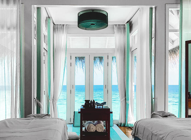 Muslim-travel-blog-Maldives-vacation-things-to-do-overwater-spa