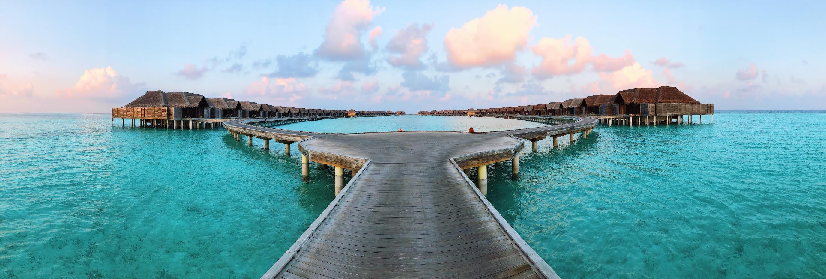 Muslim-travel-blog-complete-travel-guide-Maldives-overwater-villas