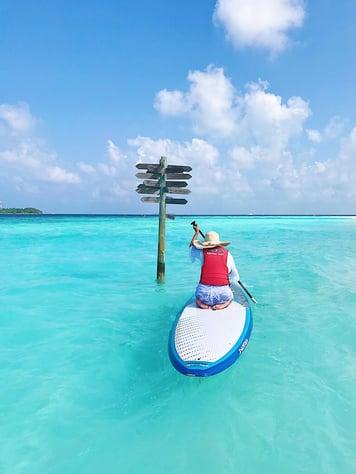 Muslim-travel-blog-guide-to-Maldives-things-to-do-kayaking