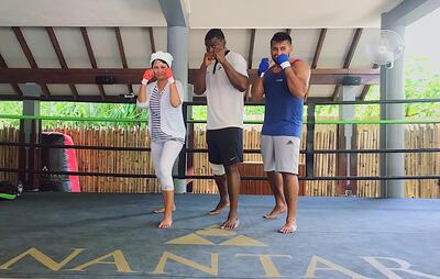 Muslim-travel-blogger-Maldives-things-to-do-Muay-Thai-boxing
