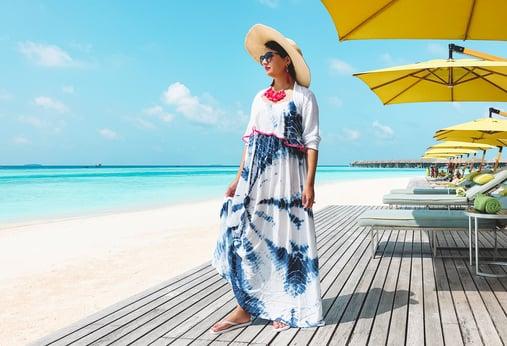 Muslim-travel-blogger-best-Maldives-guide-poolside