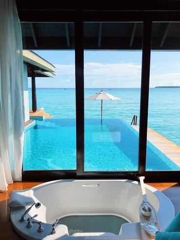 Muslim-travel-guide-Maldives-blog-resort-with-private-pool