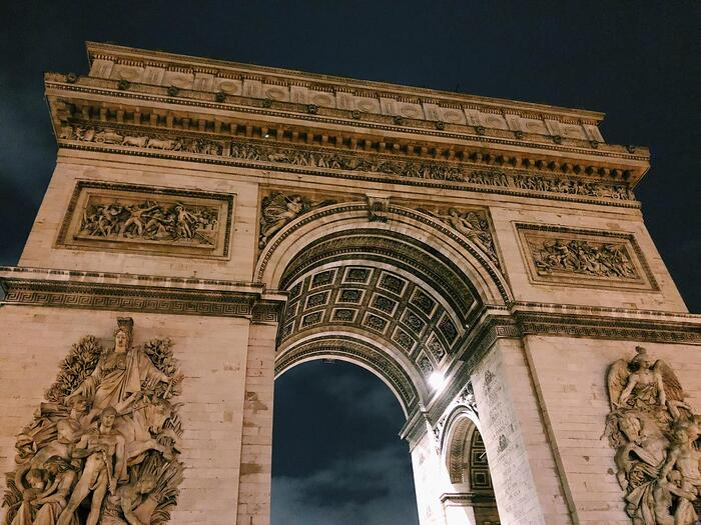 Muslim-travel-guide-Paris-Arc-de-triomphe-tips.jpg