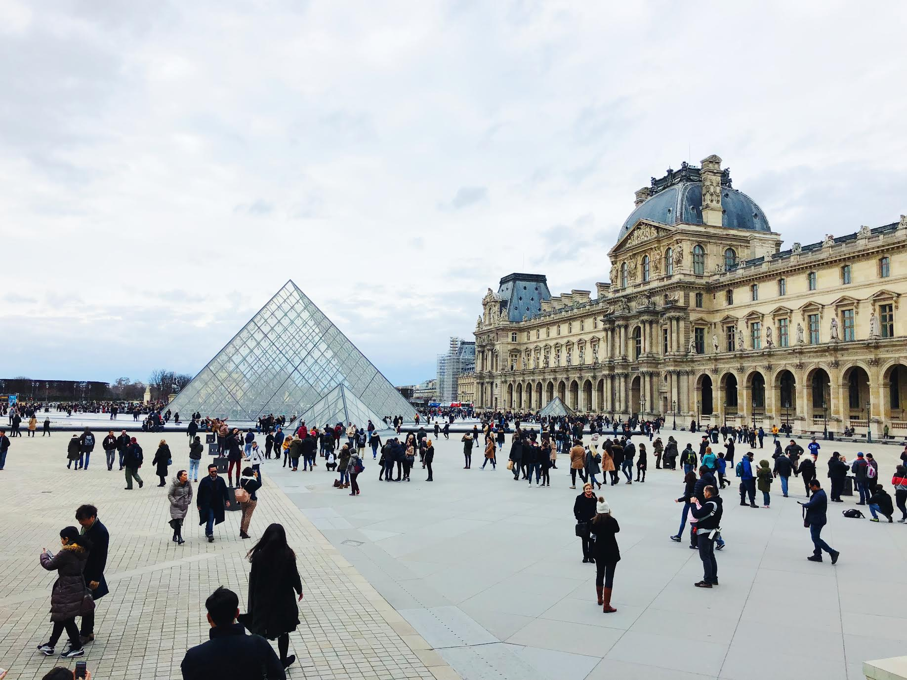 Muslim-travel-guide-Paris-Louvre-Museum.jpg