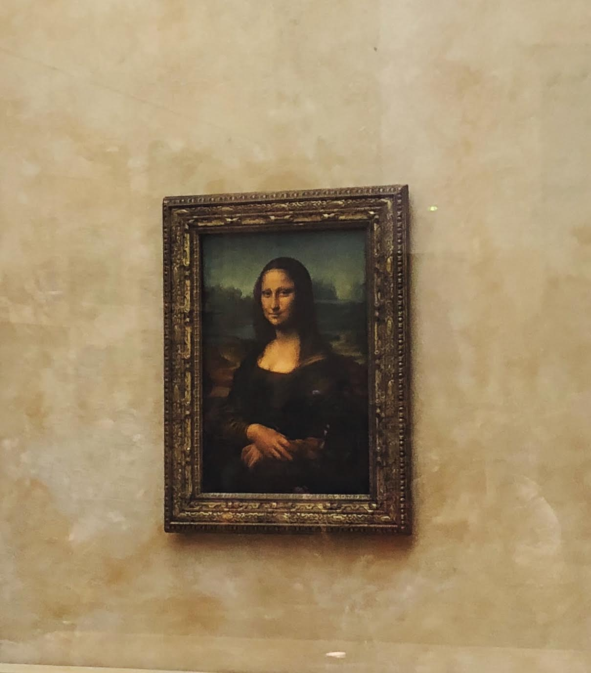 Muslim-travel-guide-Paris-Mona-Lisa.jpg