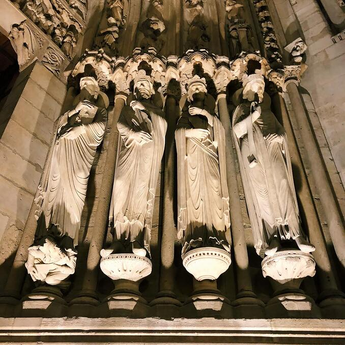 Muslim-travel-guide-Paris-Notre-Dame-cathedral-sculptures.jpg