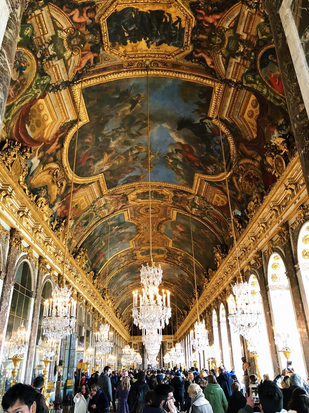 Muslim-travel-guide-Paris-Palace-of-Versailles-Hall-of-Mirrors.jpg