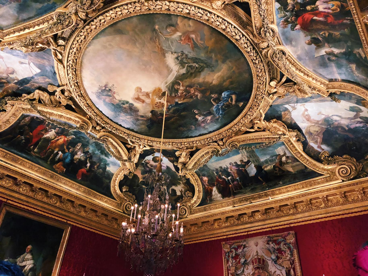Muslim-travel-guide-Paris-Palace-of-Versailles-ceiling-mural.jpg