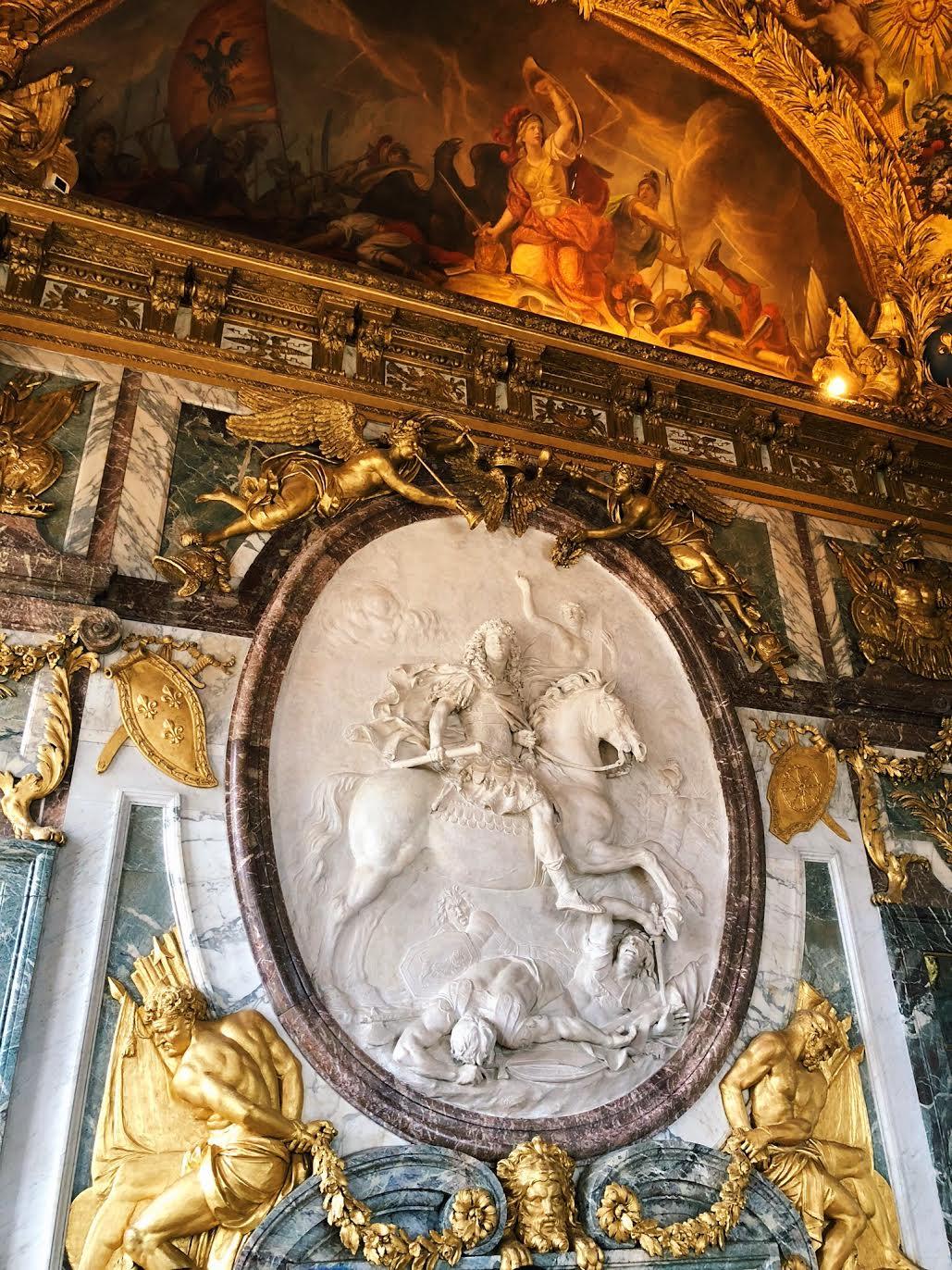Muslim-travel-guide-Paris-Palace-of-Versailles-mural.jpg