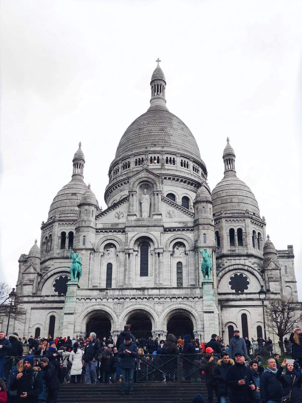 Muslim-travel-guide-Paris-Sacre-Coeur-basilica.jpg