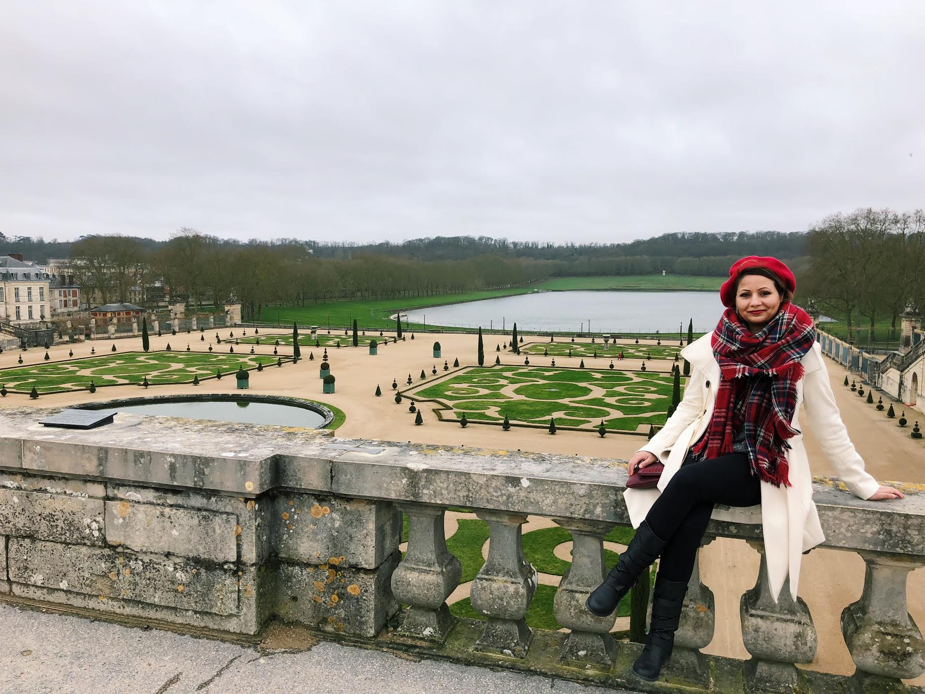 Muslim-travel-guide-Paris-garden-of-Versailles.jpg