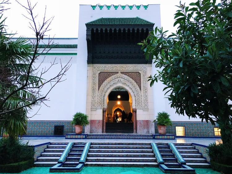 Muslim-travel-guide-Paris-mosque.jpg