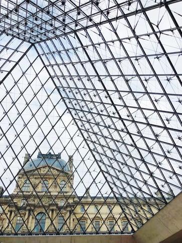 Muslim-travel-guide-Paris-tips-Louvre-Museum.jpg