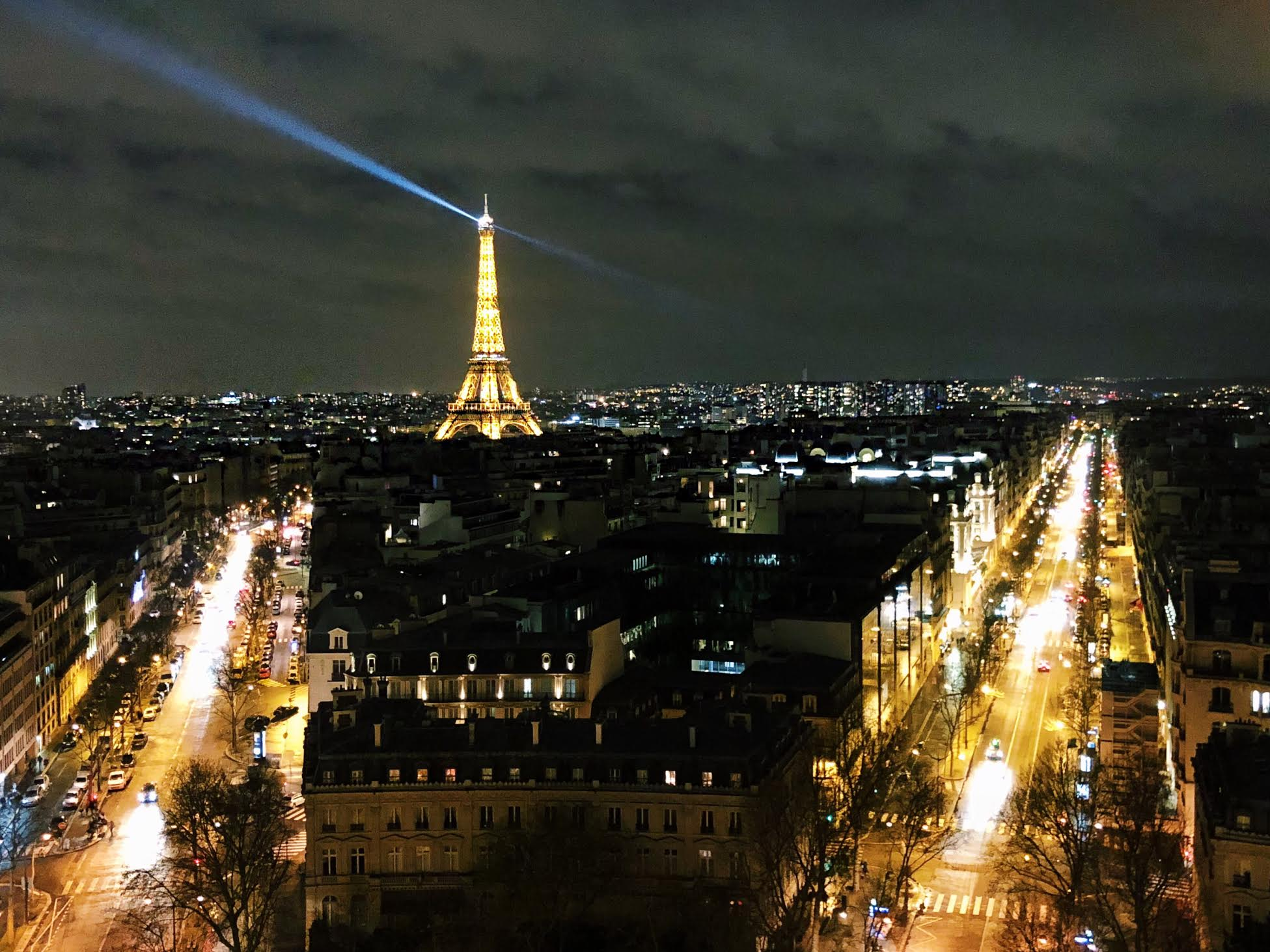 Muslim-travel-tips-Eiffel-Tower-lit-up.jpg