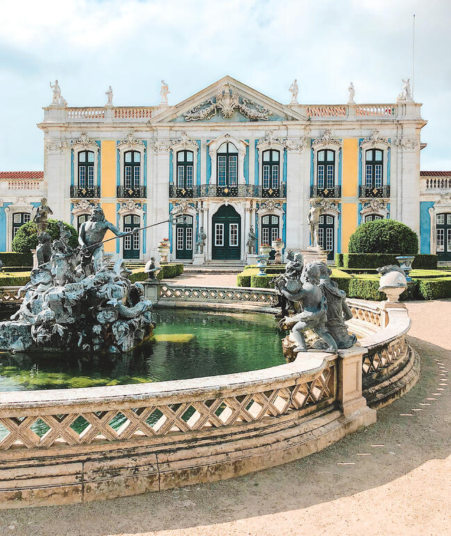 Muslim-travel-guide-Sintra-Portugal-Palace-of-Queluz-exterior