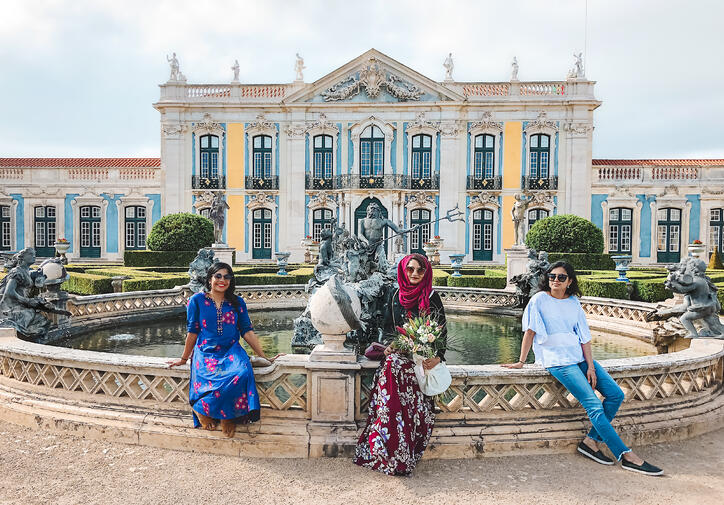 Muslim-travel-guide-Sintra-Portugal-Palace-of-Queluz-fountain-girls