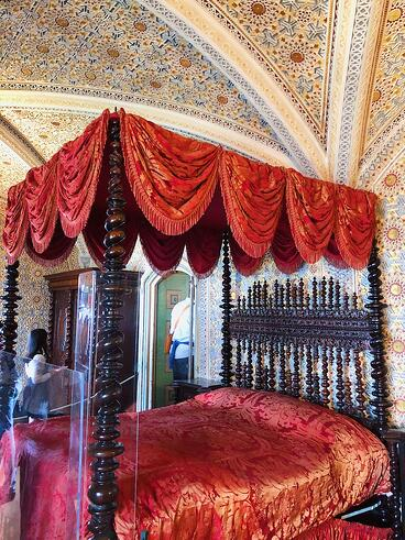 Pena-Palace-royal-bedroom