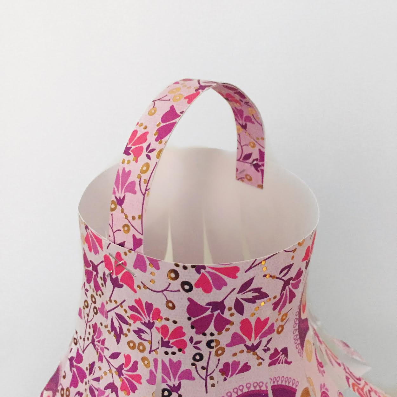hanging-paper-lantern-tutorial-muslim-craft-handle.jpg