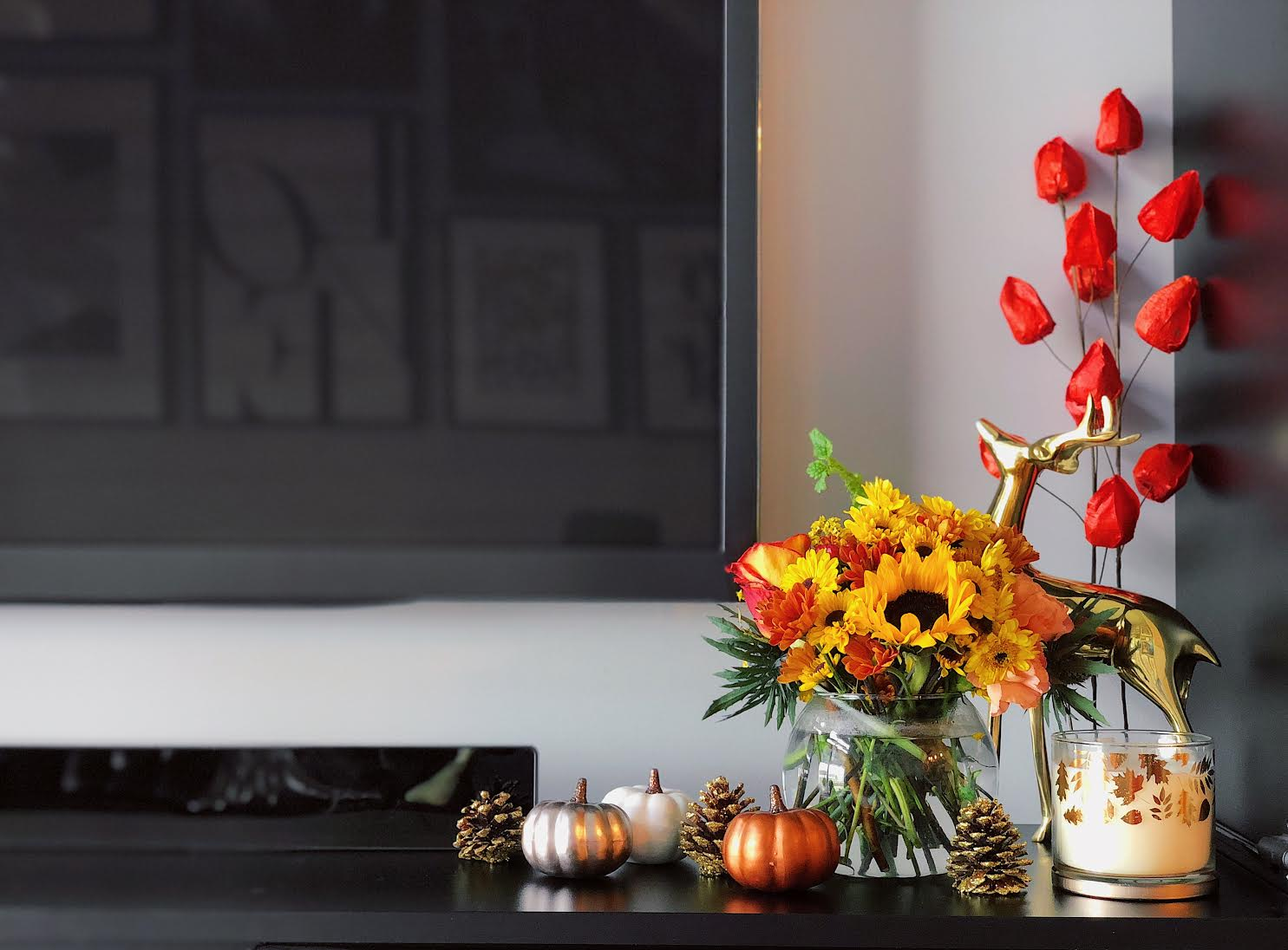 Muslim-home-decor-inspiration-modern-fall-mantle