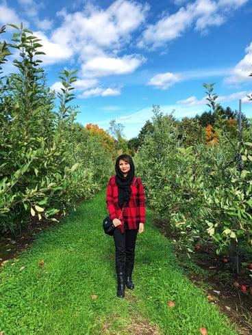 Muslim-travel-New-England-apple-picking