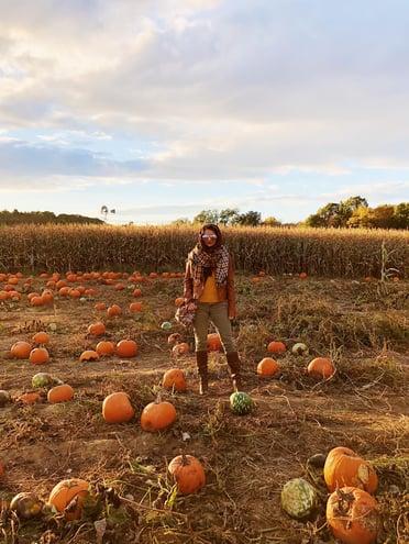 Muslim-travel-New-England-fall-activities-pumpkin-patch