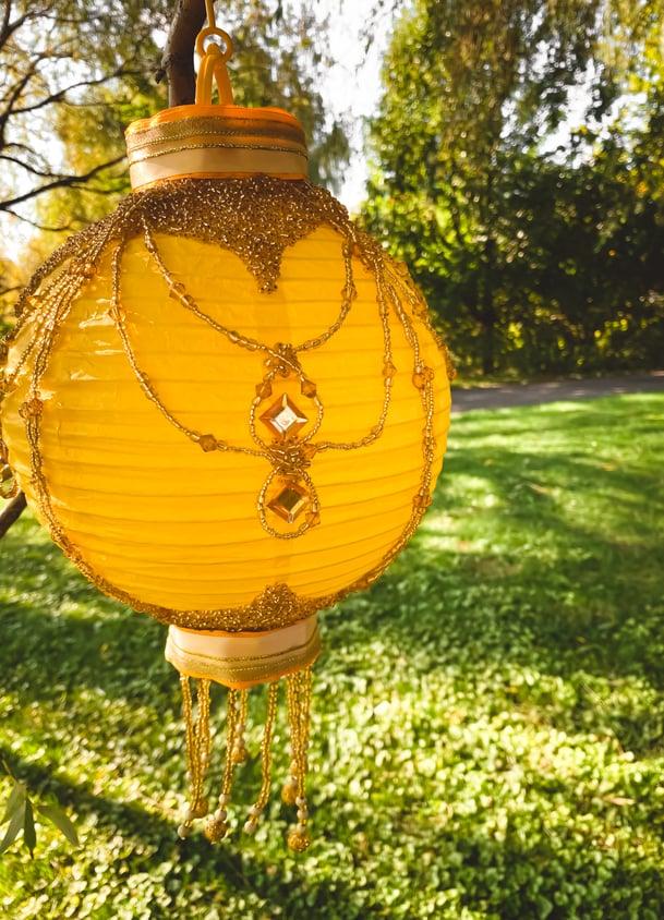 Eid-picnic-decor-paper-lanterns