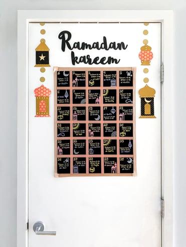 DIY-Ramadan-decorations-advent-calendar-chalkboard
