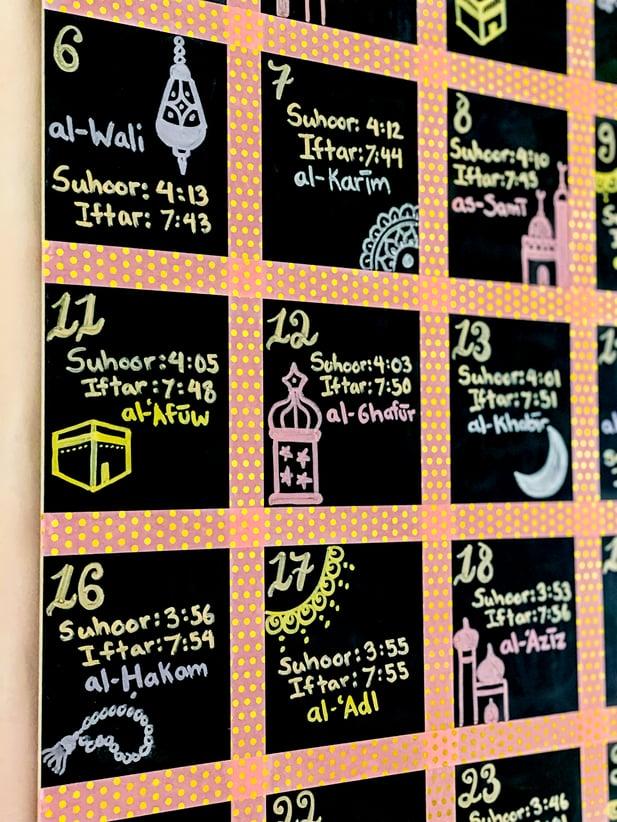 DIY-Ramadan-decorations-chalkboard-calendar-tutorial