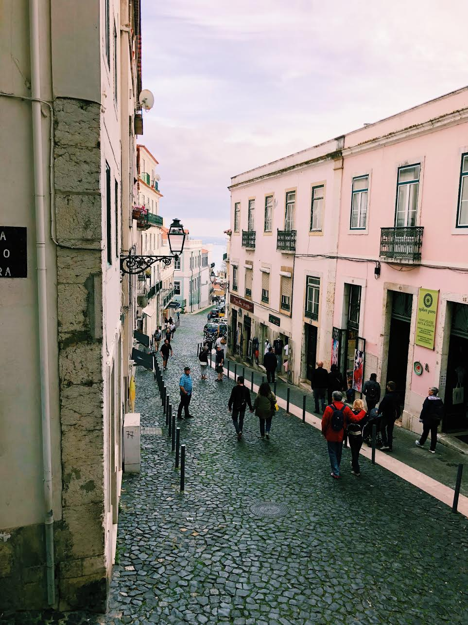 Lisbon-muslim-travel-tips-guide-architecture